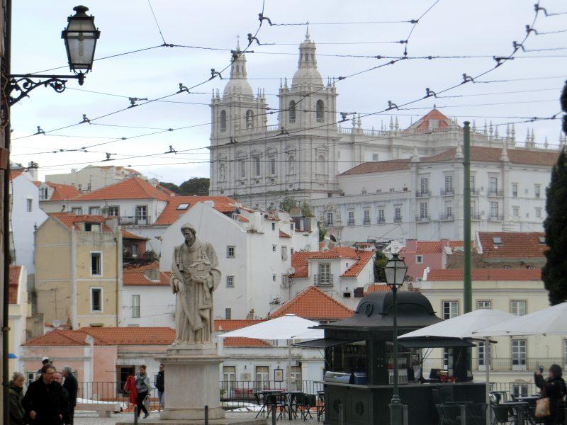 Aussicht auf die Sao Vicente of Fora Kirche in Lissabon