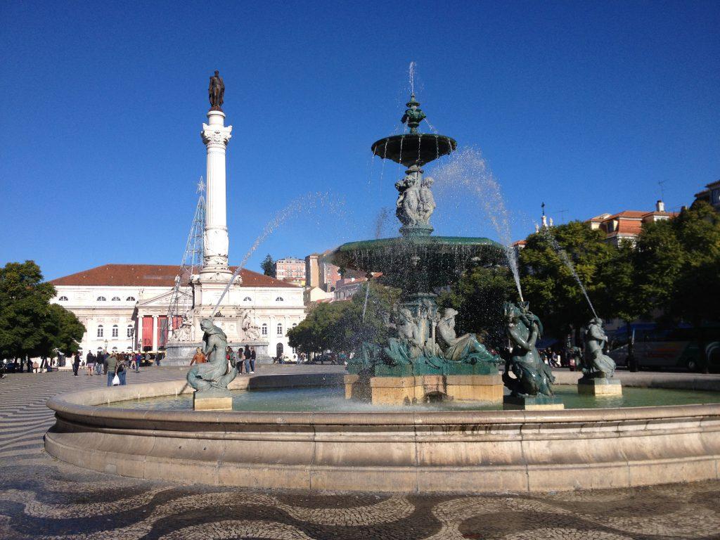 Springbrunnen am Rossio Platz