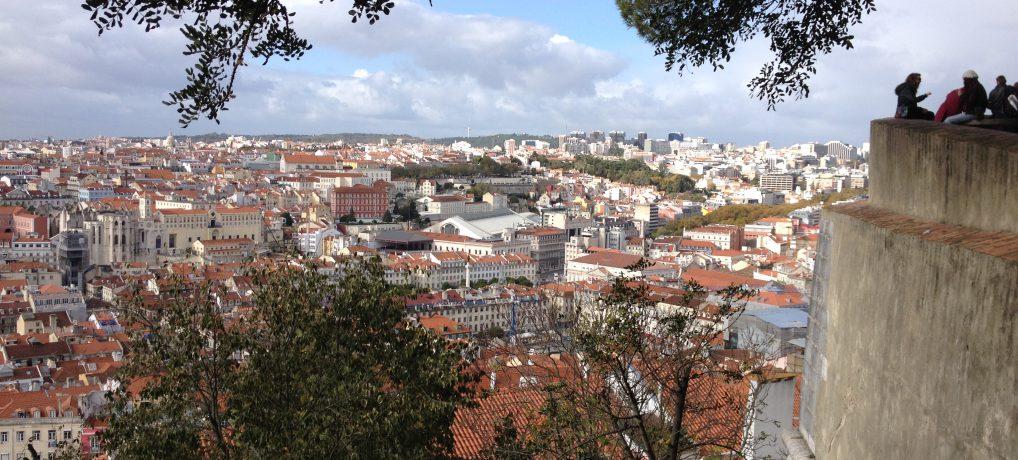 Mit der Straßenbahn Linie 28 durch Lissabons Altstadt