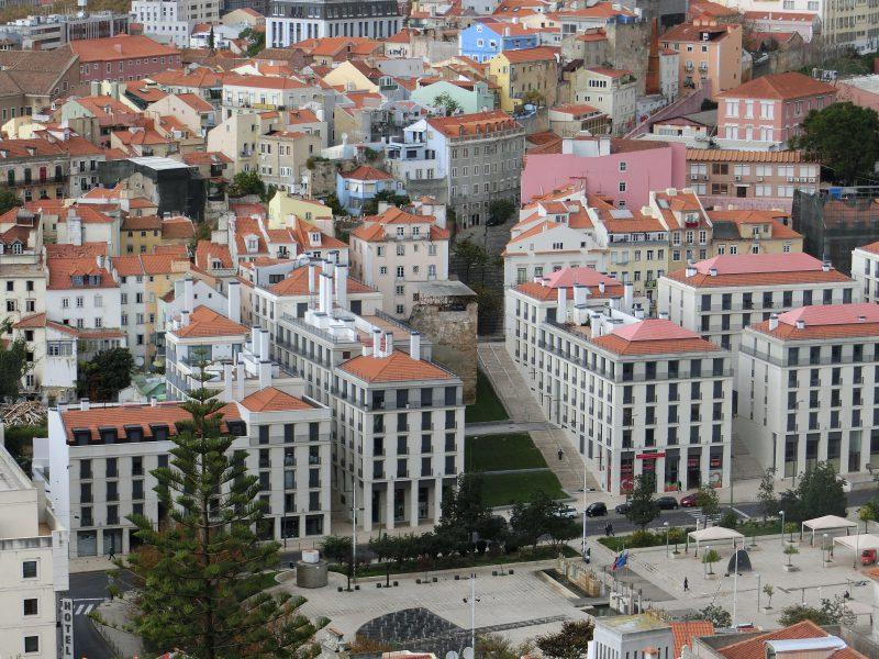 Blick auf den Martim Moniz vom Castelo de São Jorge
