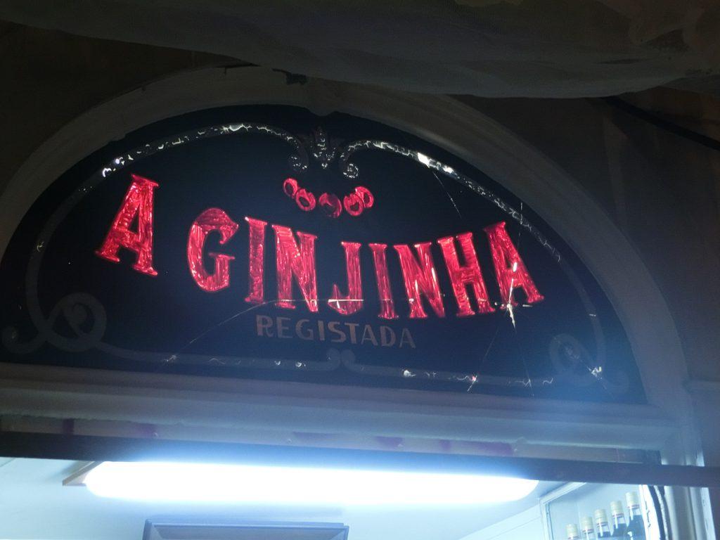 Die berühmte Bar A Ginjinha