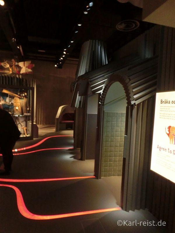 Eingang in die Finsternis der Welt im Museum of World Culture Museum der Kulturen der Welt Göteborg Sehenswürdigkeit