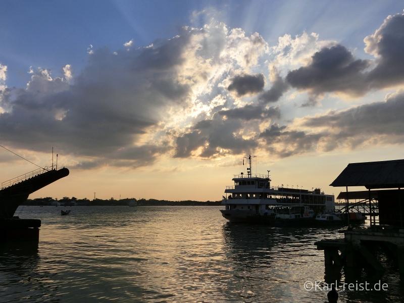 Yangon River 3