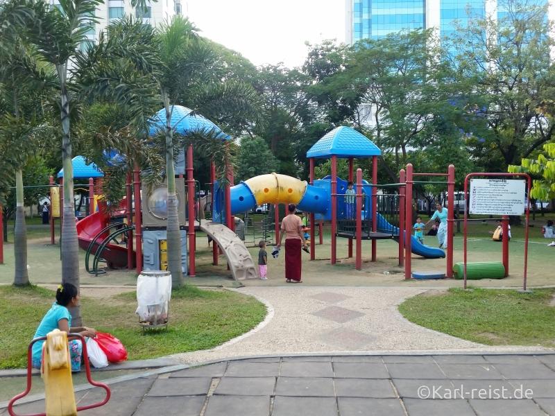 Spielplatz Maha Bandula Park