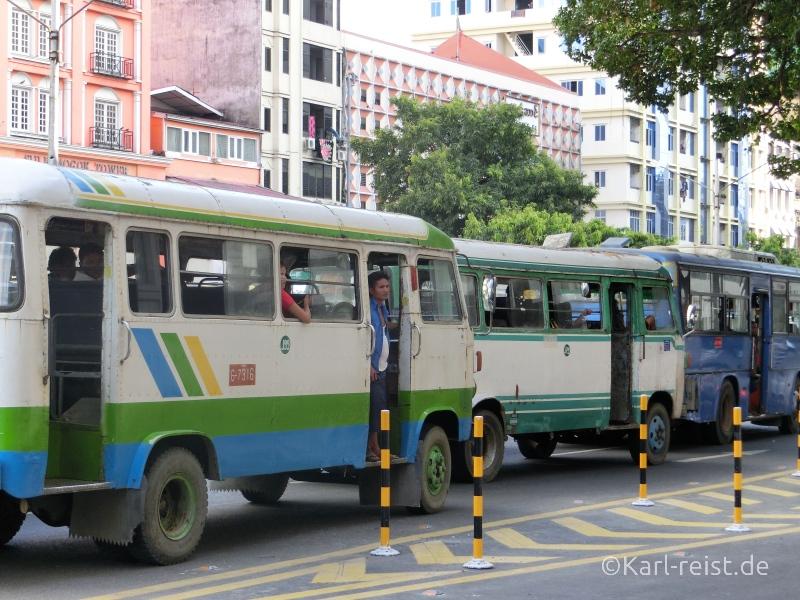 Busse in Yangon