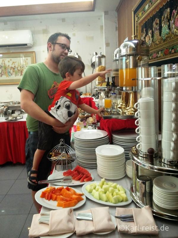 Crystal Palace Hotel Yangon Frühstück