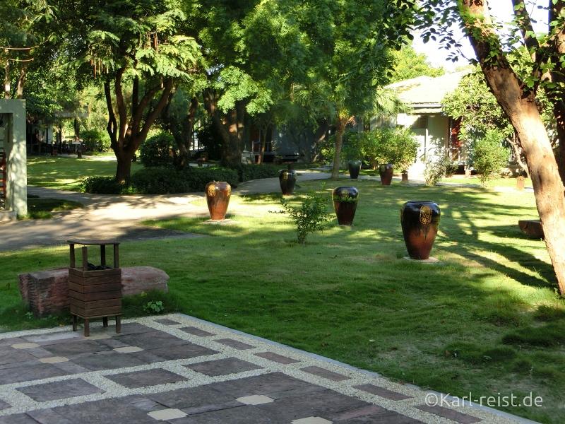 Garten vom Kumudura Hotel New Bagan