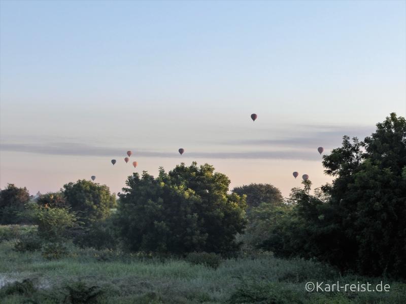 Aussicht aus Deluxe Zimmer mit Heißluftballons