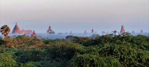 Aussicht auf Tempel vom Kumudura Hotel in New Bagan