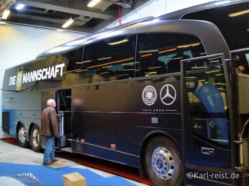 Reisen Hamburg Reisemesse Die Mannschaft Bus