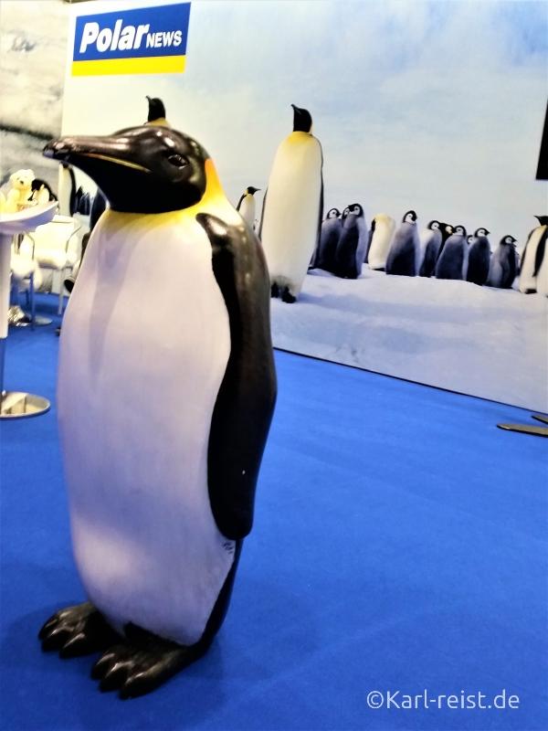 Pinguin auf Reisemesse