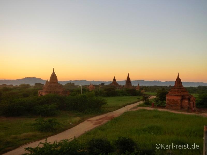 Aussicht von einer anderen Tempelterrasse.