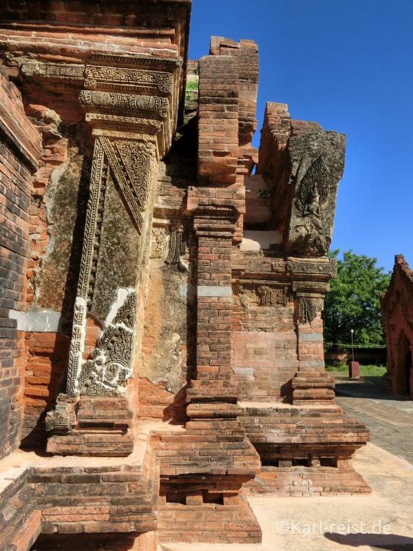 Tempel in Bagan, der schief steht