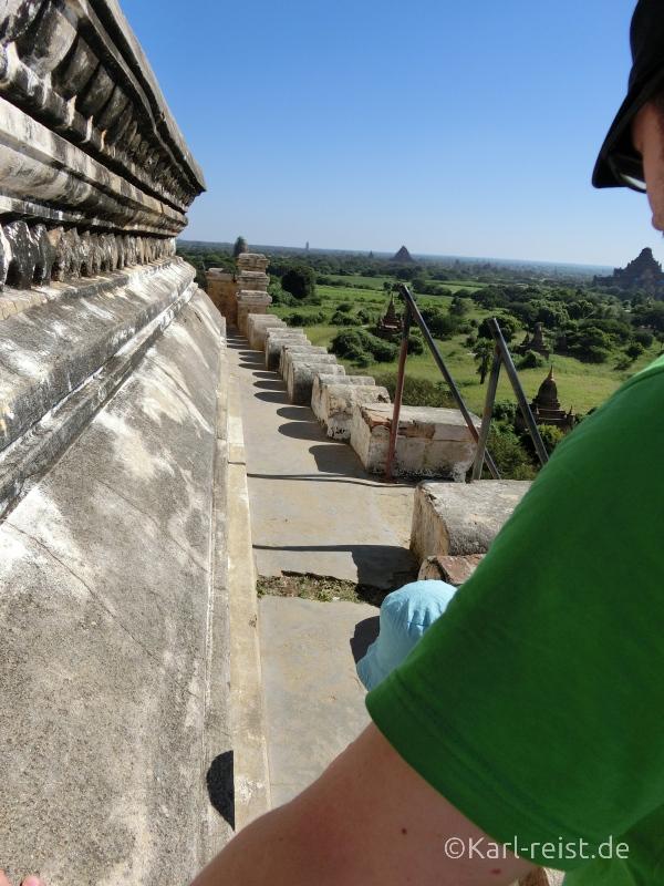 Oberste der Terrassen der Shwesandaw Pagode
