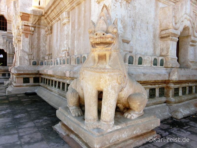 Statue eines Löwen mit zwei Körpern