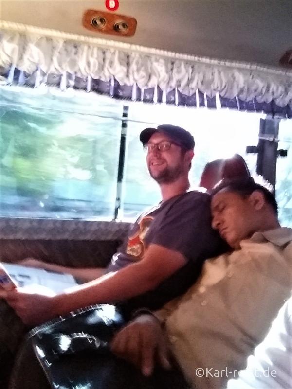 Bus Minibus Reisebus Bagan Mandalay Mitreisende