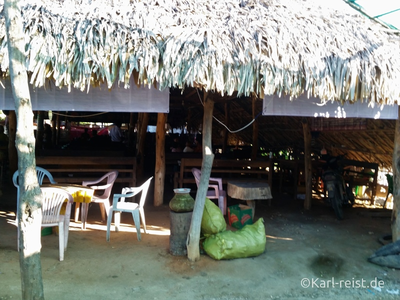 Bus Minibus Reisebus Bagan Mandalay mit Kind Myanmar Restaurant