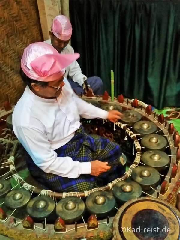 Mandalay Marionettes traditionelle Instrumente Band