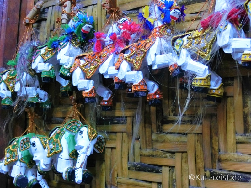 Elefant Marionette bei Mandalay Marionettes