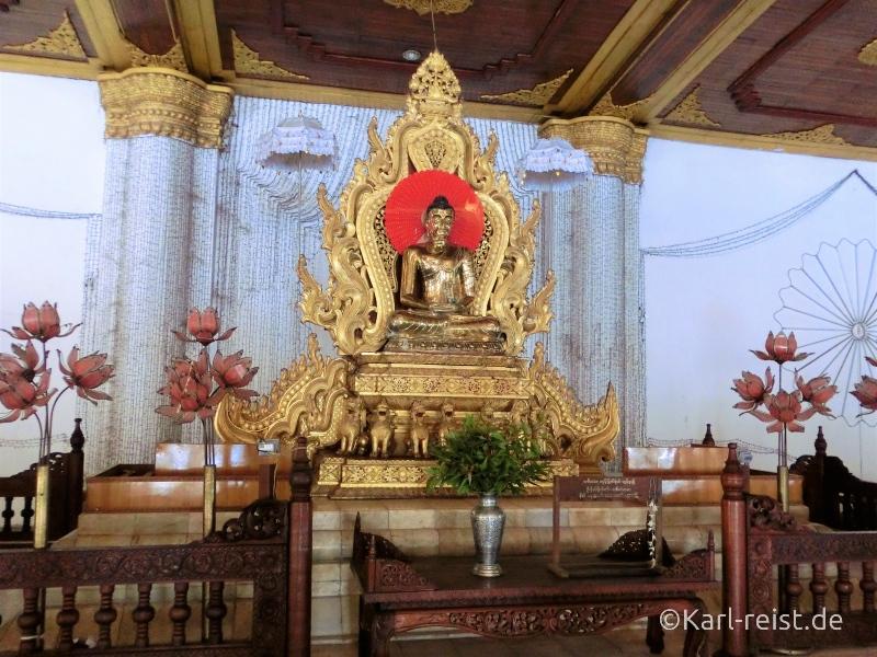 Atumashi Kyaung Innenraum Saal mit Buddha