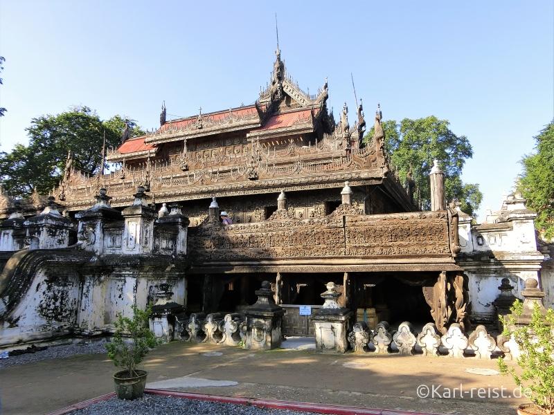 Shwenandaw Kyaung von außen