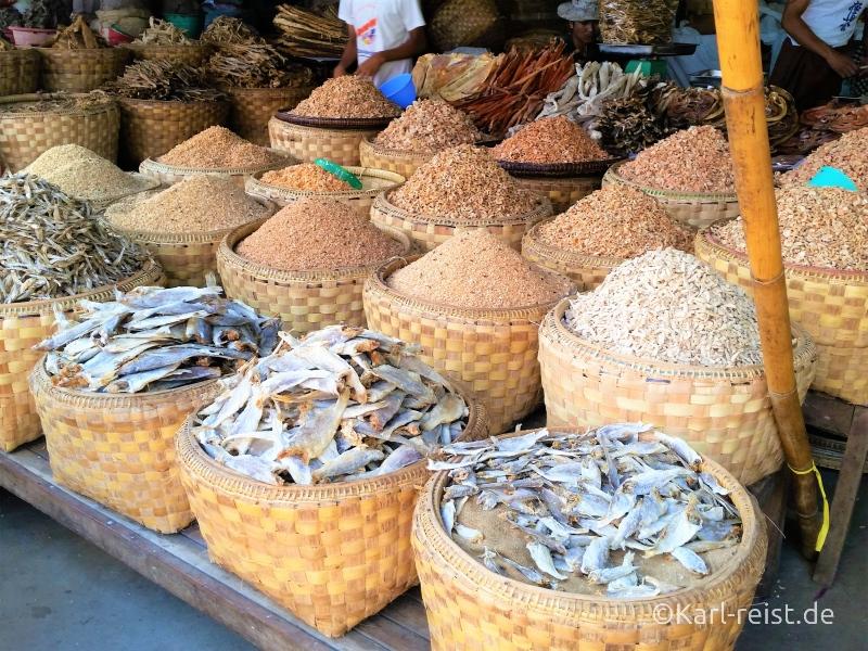 Trockenfisch auf dem Zegyo Market