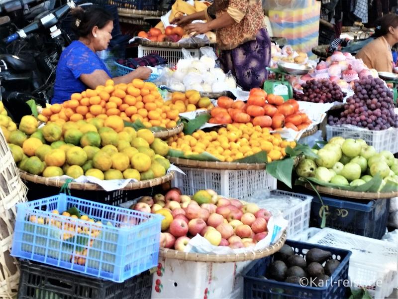 Früchte auf dem Zegyo Market