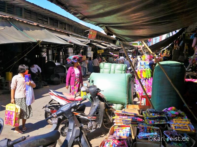 Zegyo Market in Mandalay