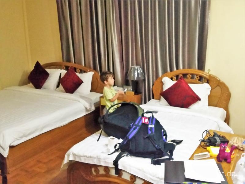 Suite Mingalar Hotel Mandalay 3 Bett Zimmer
