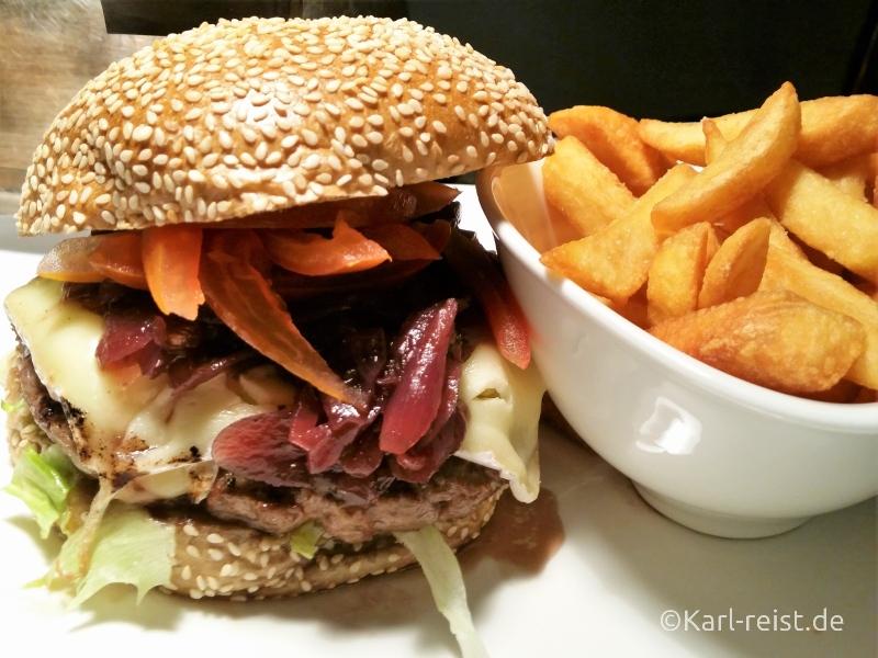 Burger vom LOBBY Restaurant Radisson Blu Bremen Hotel