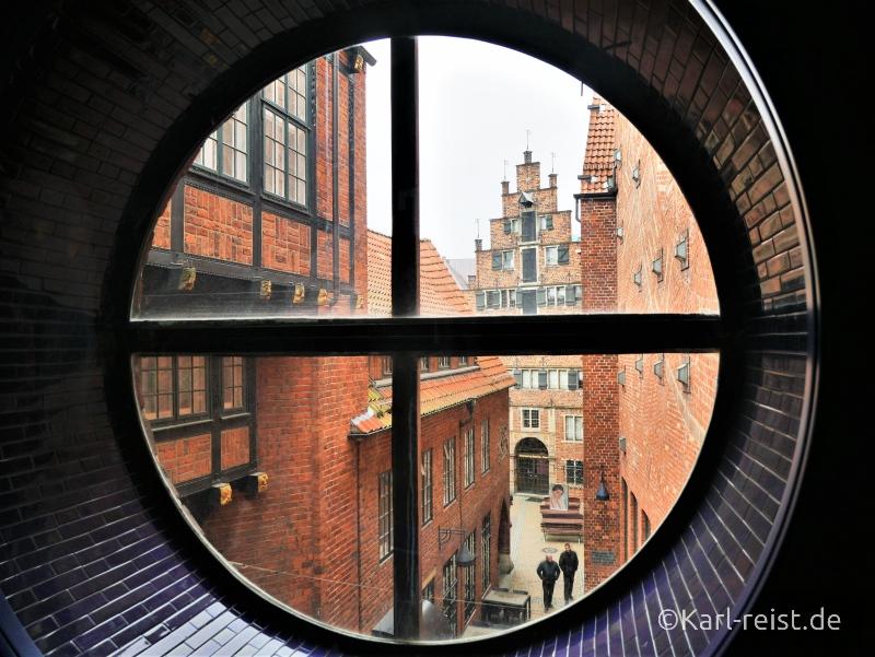Ausblick auf Böttcherstraße zum Himmelssaal Radisson Blu Bremen Hotel