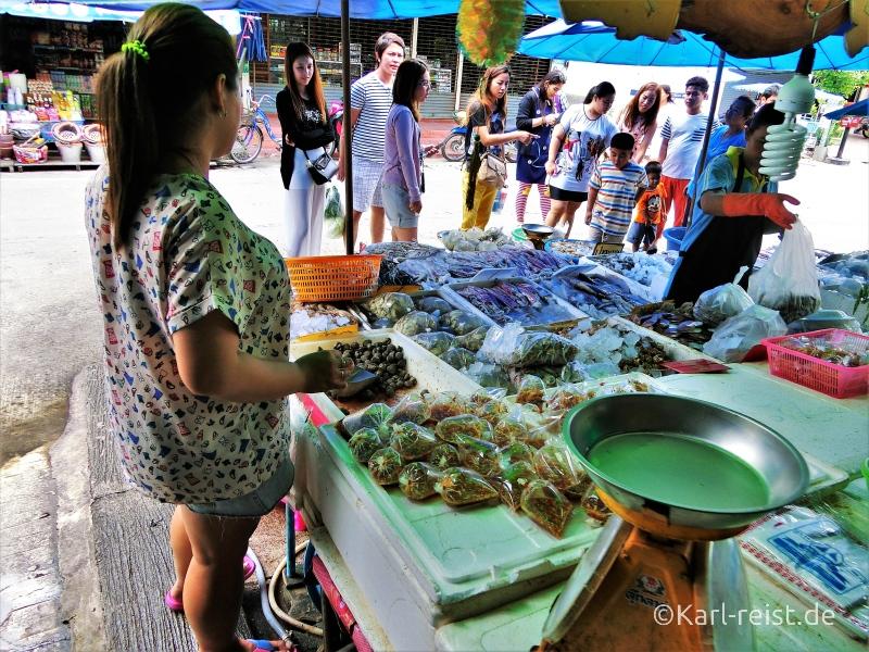 Fisch auf dem Fischmarkt in Ban Phe Rayong