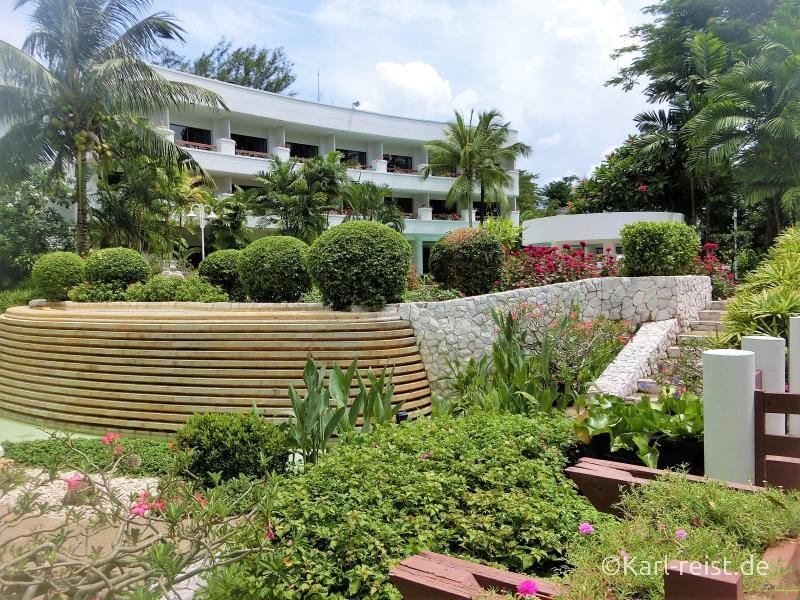 Garten im Novotel Rim Pae Rayong Hotel Resort Klaeng Ban Phe Garten