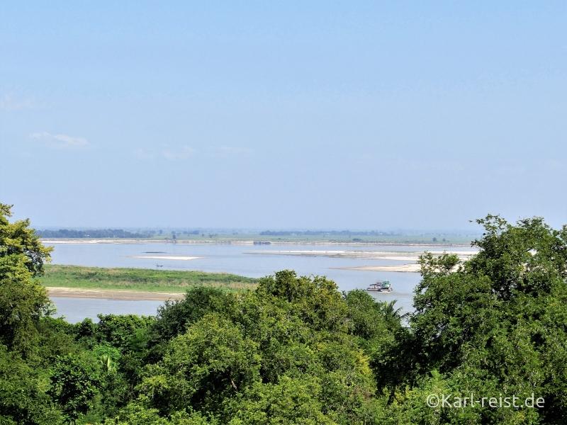 Blick von der Pagode bis zum Irrawaddy Fluss