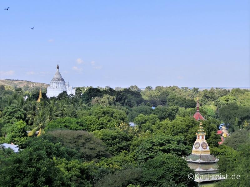 Ausblick Mingun Pagode zu Tempeln