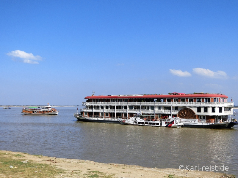 Schiff auf Irrawaddy Fluss