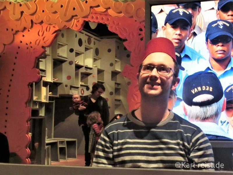 Hüte der Welt im Museum of World Culture Museum der Kulturen der Welt Göteborg Sehenswürdigkeit