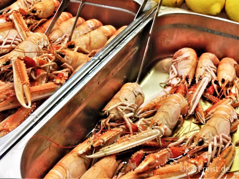 Fische in der Feskekorka Göteborg Fischmarkt Fischhalle