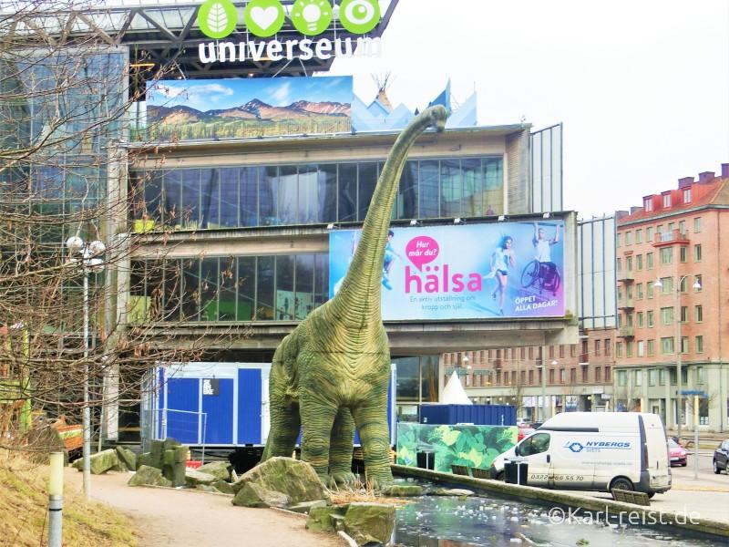Dinosaurier vorm Universeum Göteborg