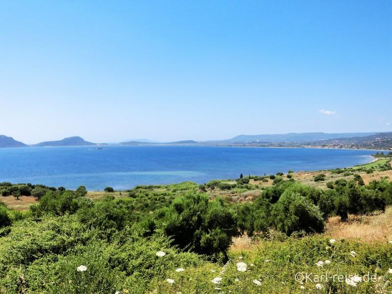 Aussicht auf Ntivari Beach bei Pylos Golden Sand