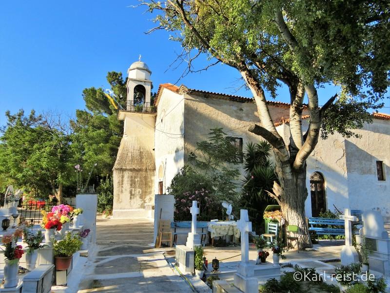 Kirche und Friedhof beim Kloster von Koroni