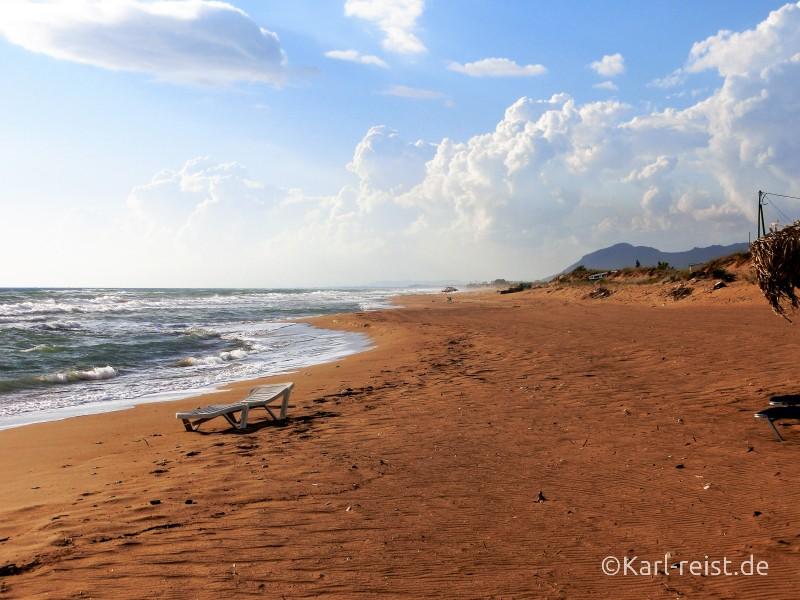 Einsamer Strand von Zacharo