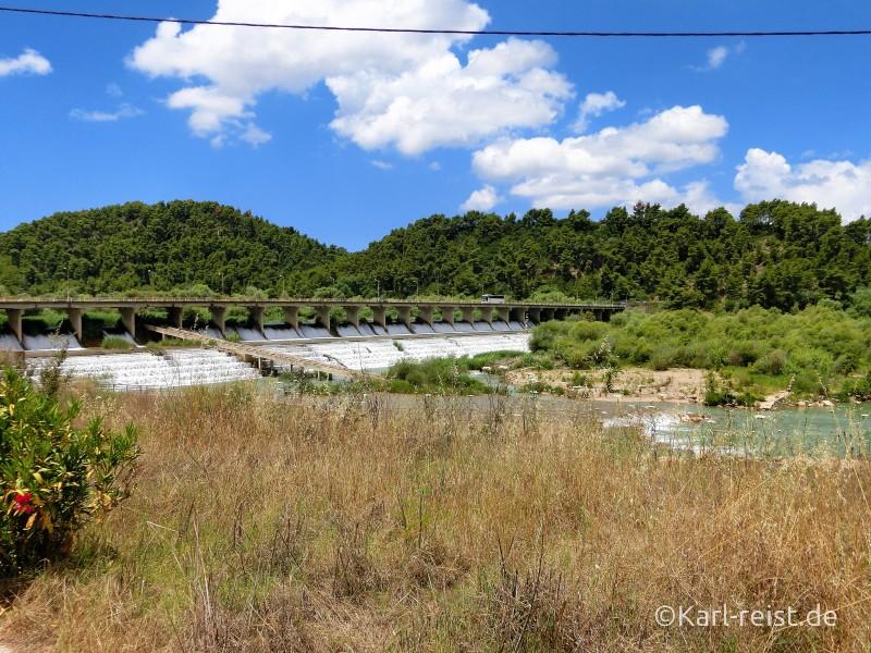 Olympia Peloponnes Fluss Staudamm
