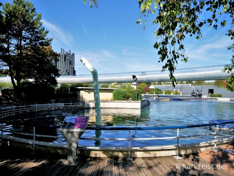 Futuroscope Poitiers Brücke See