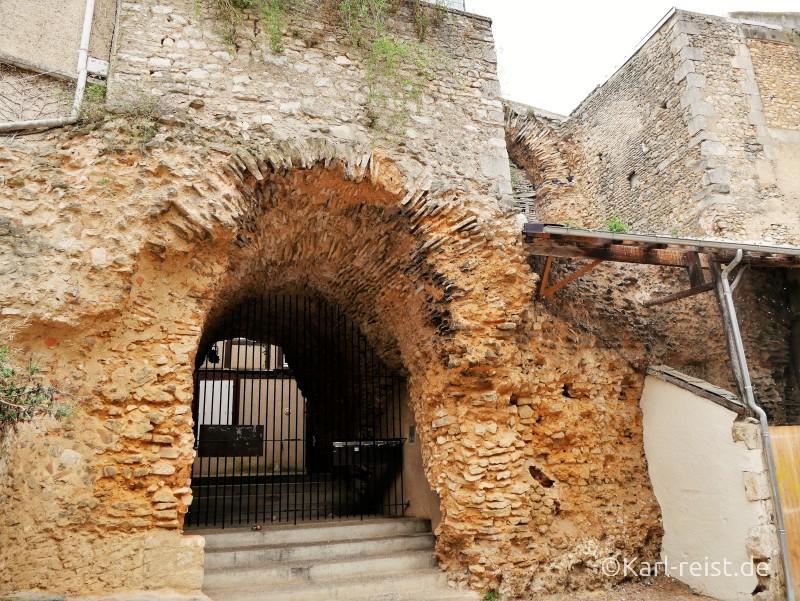 Poitiers Mittelalter Tor