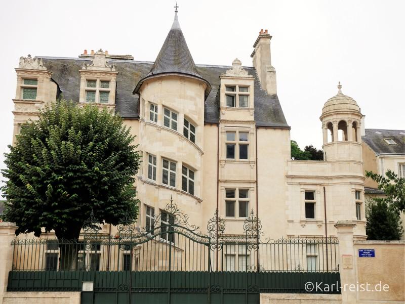 Restauriertes Apartmenthaus Les Beaucé