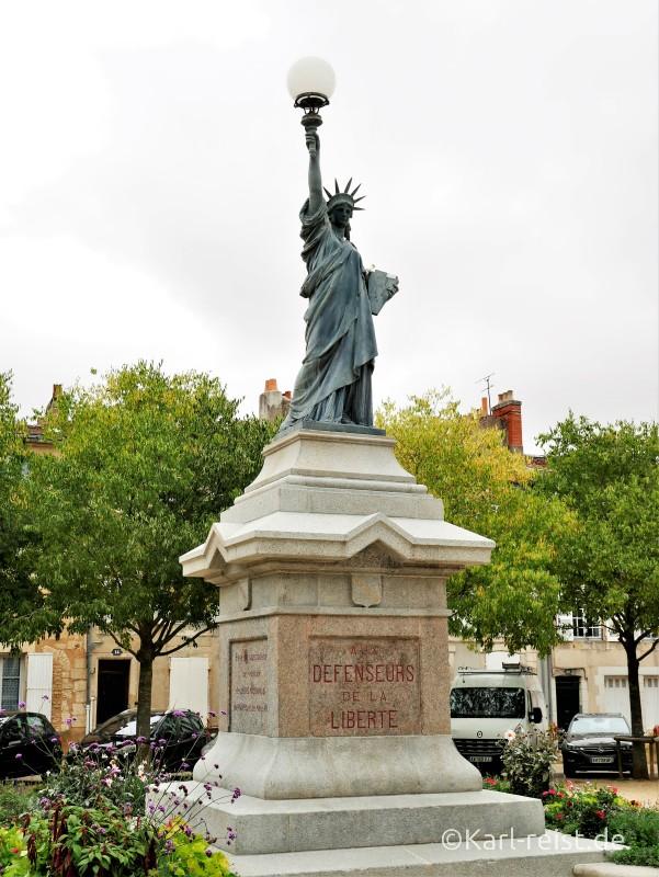 Poitiers Freiheitsstatue Place de la Liberte