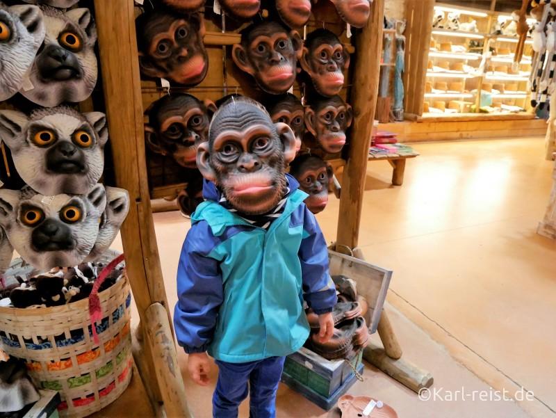 Vallée des Singes Romange Tal der Affen Schimpansenmaske
