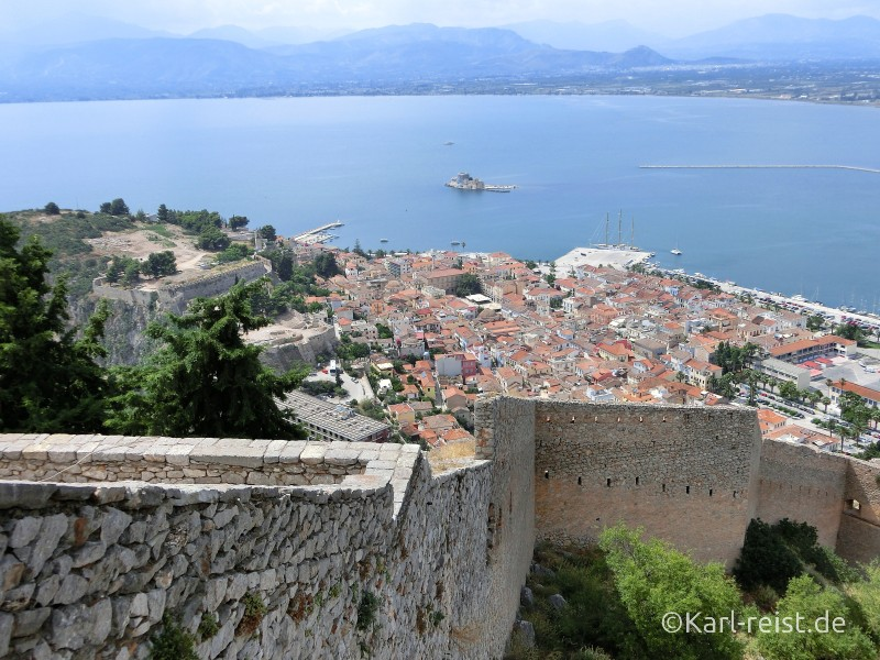 Palamidi Castle Festung in Nauplion Nafplio Ausblick auf Altstadt Argolischer Golf Meer
