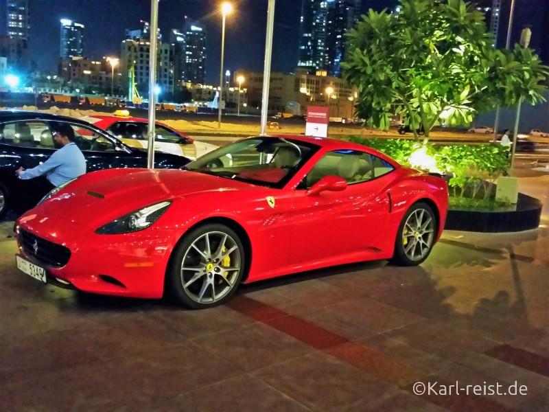 Dubai Autos Ferrari